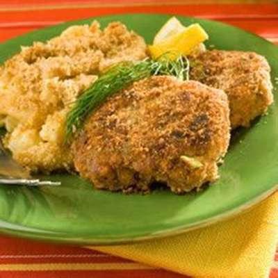 Easy Salmon Cakes - RecipeNode.com