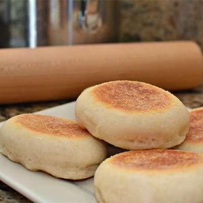 English Muffins - RecipeNode.com