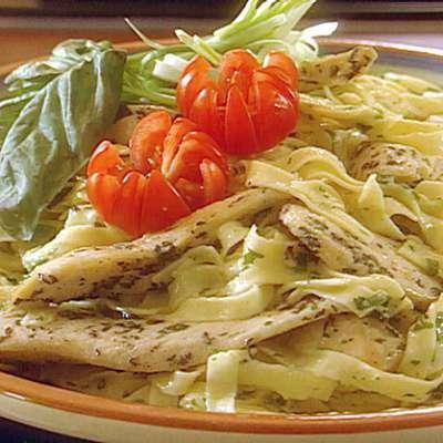 Fettuccine Chicken Salad - RecipeNode.com