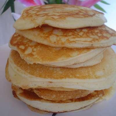 Fluffy Canadian Pancakes - RecipeNode.com