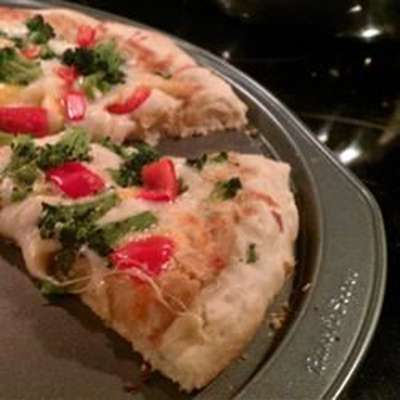 Garlic Lover's Pizza Crust for the Bread Machine - RecipeNode.com