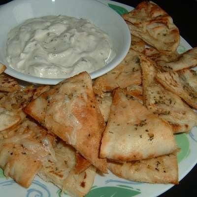 Garlic Pita Bread Bites - RecipeNode.com