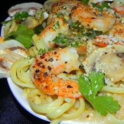 Garlic Shrimp Linguine - RecipeNode.com