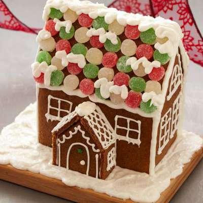 Gingerbread House - RecipeNode.com