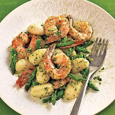 Gnocchi with Shrimp, Asparagus, and Pesto - RecipeNode.com