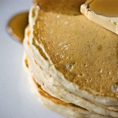 Good Old Fashioned Pancakes - RecipeNode.com