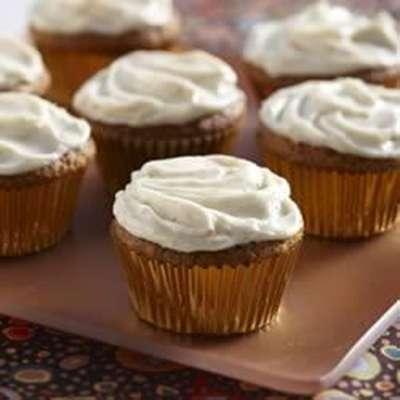 Harvest Pumpkin Cupcakes - RecipeNode.com