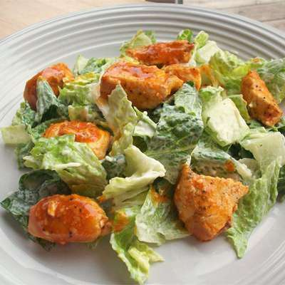 Hot 'n' Spicy Buffalo Chicken Salad - RecipeNode.com