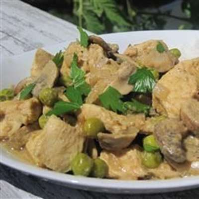 Keon's Slow Cooker Curry Chicken - RecipeNode.com
