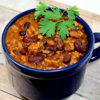 Laura's Quick Slow Cooker Turkey Chili - RecipeNode.com