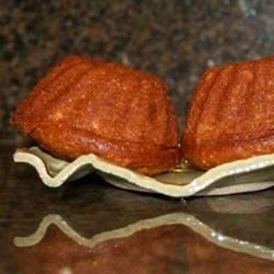 Lemon Poppy Seed Amish Friendship Bread - RecipeNode.com