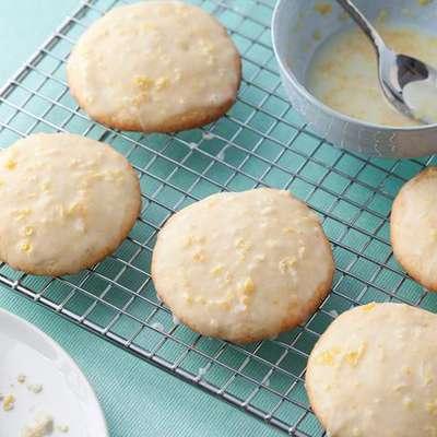 Lemon Ricotta Cookies with Lemon Glaze - RecipeNode.com
