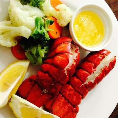 Lobster Tails Steamed in Beer - RecipeNode.com