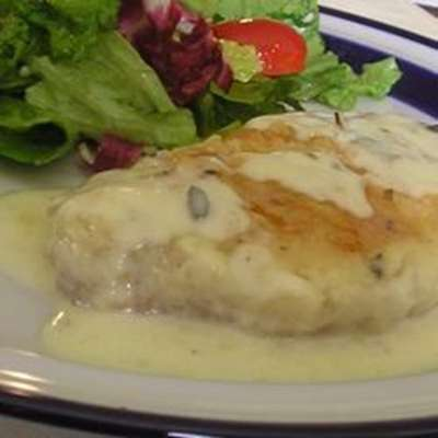 Margie's Sour Cream Pork Chops - RecipeNode.com