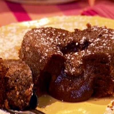 Molten Lava Cakes - RecipeNode.com