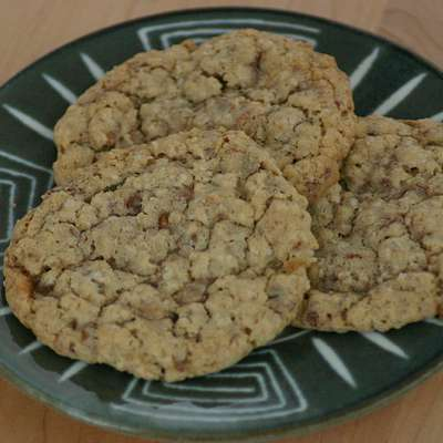 Oat n' Toffee Cookies - RecipeNode.com