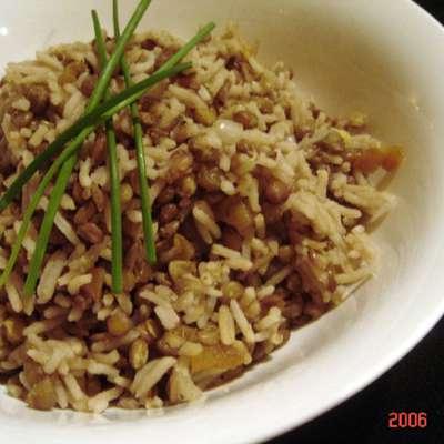 Onion Lentils and Rice - RecipeNode.com