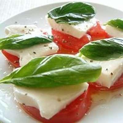 Owen's Mozzarella and Tomato Salad - RecipeNode.com