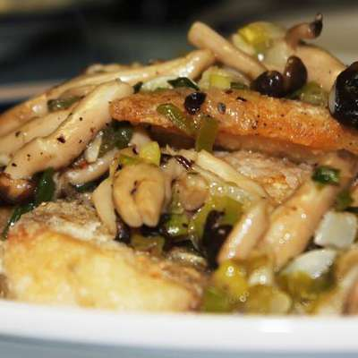 Pan Seared Fish With Mushrooms and Scallions - RecipeNode.com