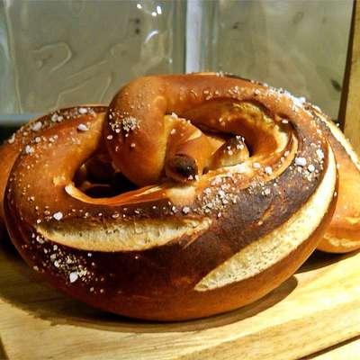 Papa Drexler's Bavarian Pretzels - RecipeNode.com