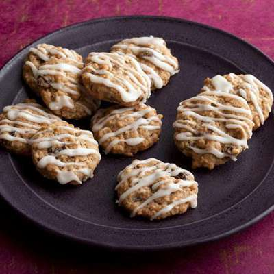 Paula's Loaded Oatmeal Cookies - RecipeNode.com