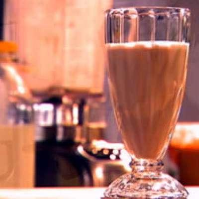 Peanut Butter Split Smoothie - RecipeNode.com
