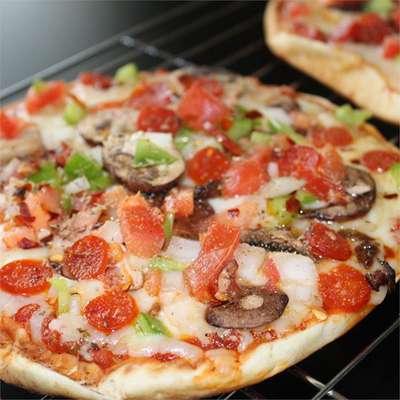 Pita Pizza - RecipeNode.com