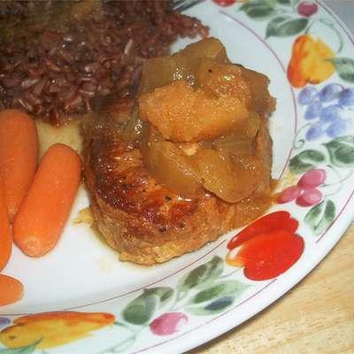 Pork Chops with Apple Curry Sauce - RecipeNode.com
