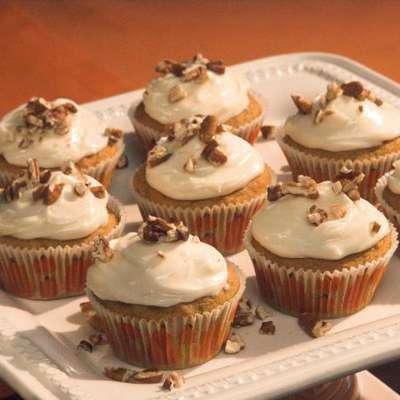 Pumpkin Cupcakes - RecipeNode.com