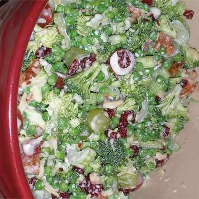Raw Veggie Picnic Salad - RecipeNode.com