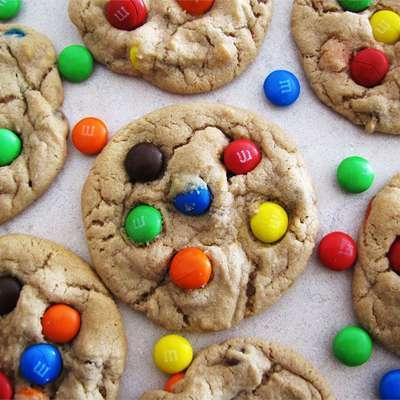 Robbi's M&M; Cookies - RecipeNode.com
