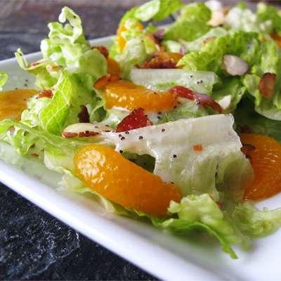 Romaine and Mandarin Orange Salad with Poppy Seed Dressing - RecipeNode.com