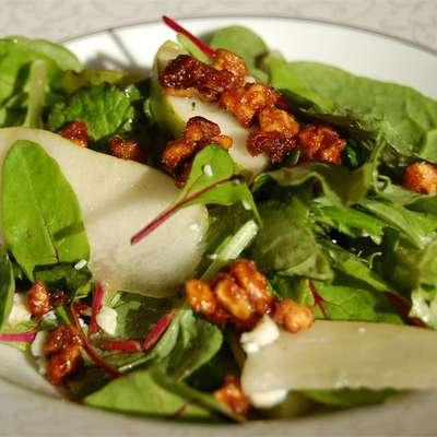 Roquefort Pear Salad - RecipeNode.com
