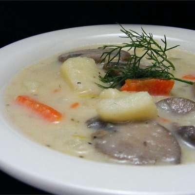 Russian Mushroom and Potato Soup - RecipeNode.com