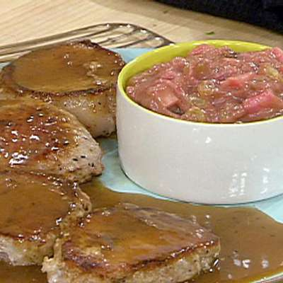 Sauteed Pork Chops with Sherry-Berry Pan Gravy, Rhubarb Chutney - RecipeNode.com