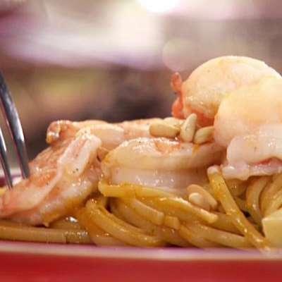 Shrimp with Roasted Garlic Pesto Pasta - RecipeNode.com