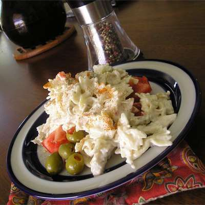Simple Ranch Chicken Macaroni Salad - RecipeNode.com