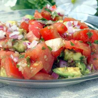 Simple Tomato and Avocado Salad - RecipeNode.com