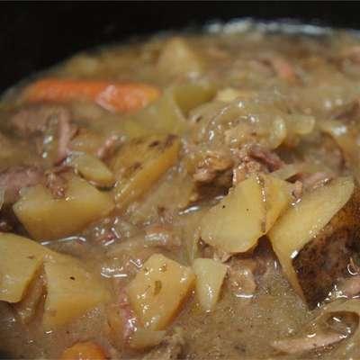 Slow Cooker Beef Stew IV - RecipeNode.com
