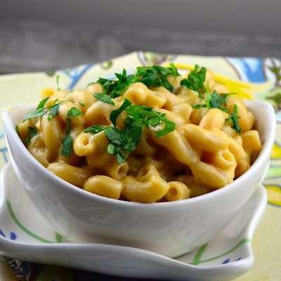 Slow Cooker Macaroni & Cheese - RecipeNode.com