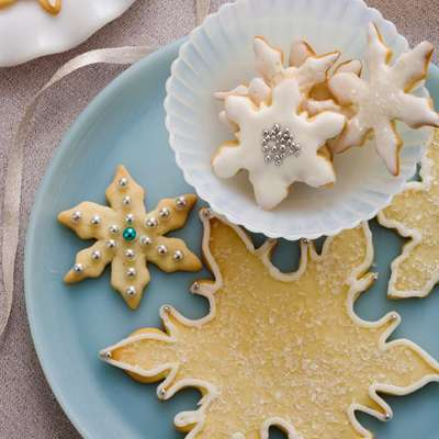 Snowflake Cookies - RecipeNode.com