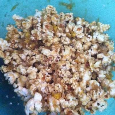 Soft Caramel Corn - RecipeNode.com