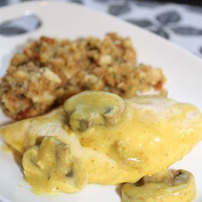 Sour Cream Chicken and Stuffing - RecipeNode.com