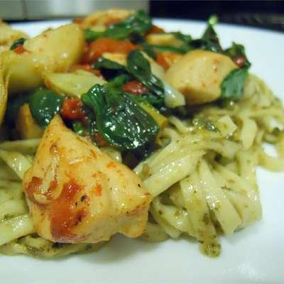 Spence's Pesto Chicken Pasta - RecipeNode.com