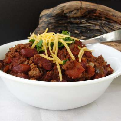 Spicy Slow-Cooked Chili - RecipeNode.com