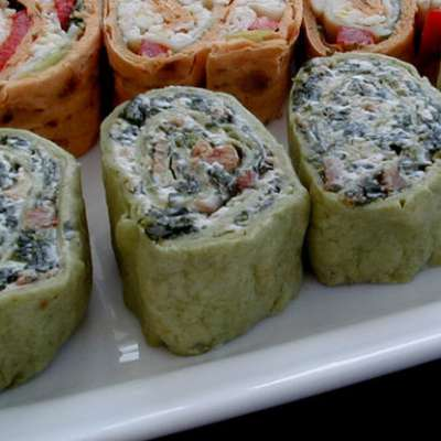 Spinach Pinwheel Appetizers - RecipeNode.com