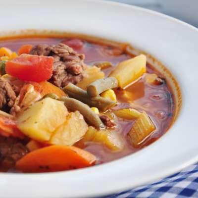 Stacy's Favorite Vegetable Beef Soup - RecipeNode.com
