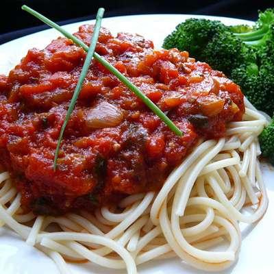 Stephanie's Freezer Spaghetti Sauce - RecipeNode.com