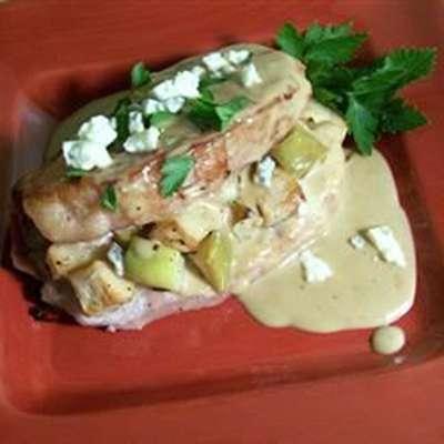 Stuffed Pork Chops with Gorgonzola and Apple - RecipeNode.com