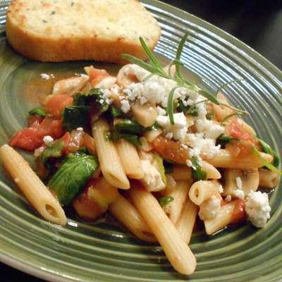 Suki's Spinach and Feta Pasta - RecipeNode.com